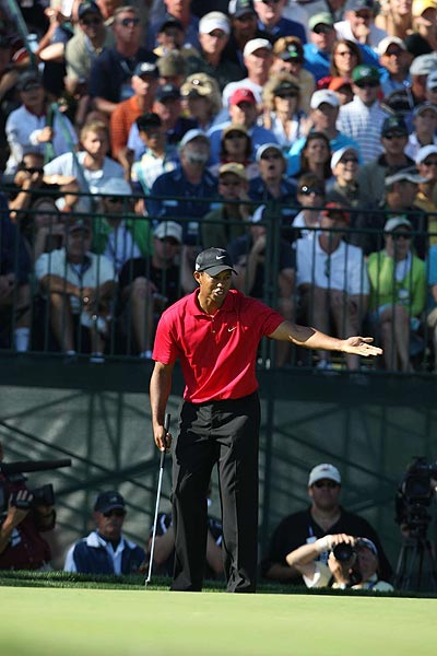 Woods dropped another shot on the 15th hole when he missed a long par putt.