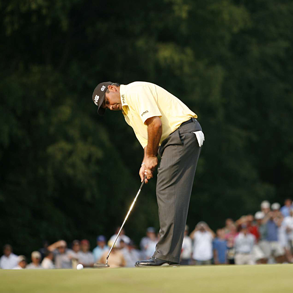 Cabrera inched closer to the lead with birdies on 4 and 5.