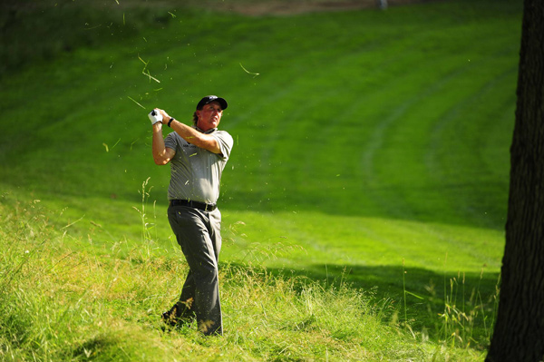 Phil Mickelson made plenty of noise during the second round. After a double bogey on No. 2, he made birdies on Nos. 5, 6 and 8.