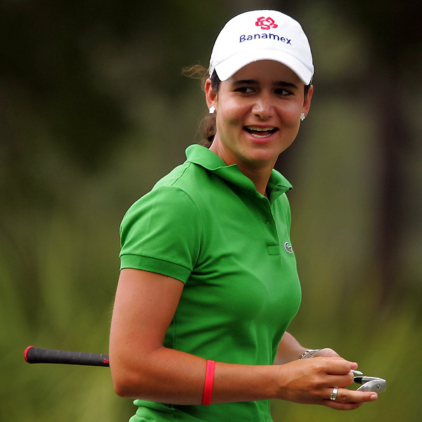 World No. 1 Lorena Ochoa continued her fine play with a bogey-free 67. She leads by three shots.