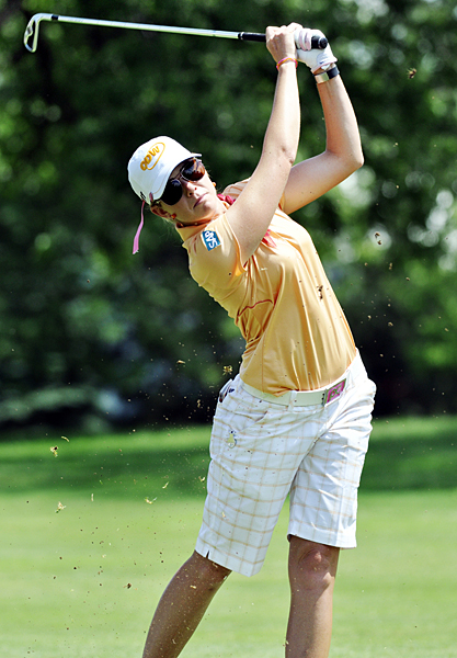 Paula Creamer trails by one stroke after a bogey-free 67.