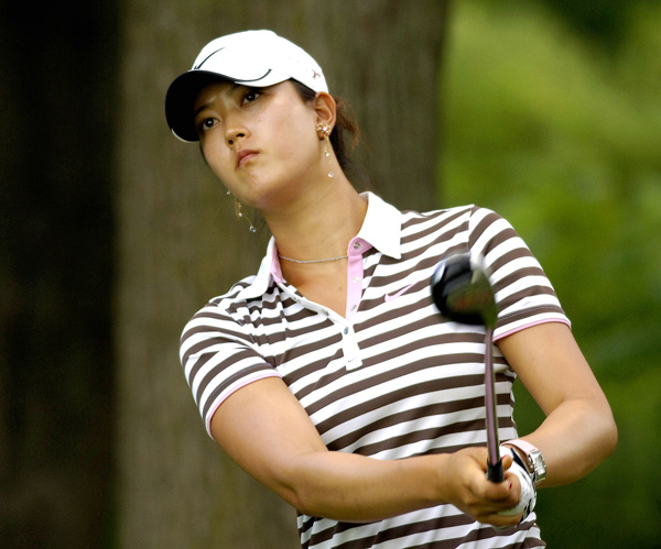 Michelle Wie made four birdies before play was suspended.