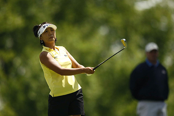 Mi Hyun Kim, who double bogeyed the par-5 eighth hole, finished at three under par.