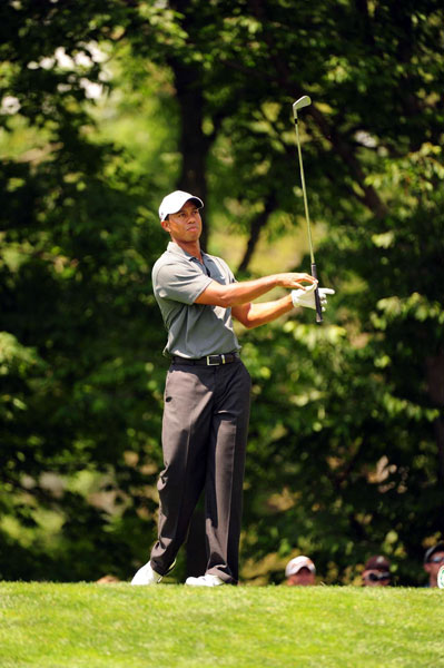 joined Rory McIlroy, Steve Stricker, Zach Johnson and Jim Furyk in the second group. Woods won six skins.