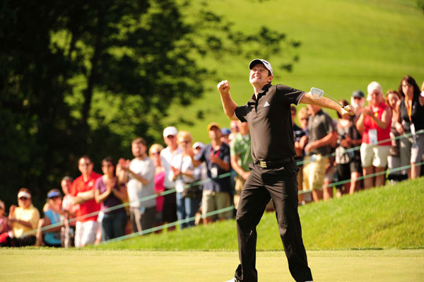 "The One That Got Away                       Justin Rose wins the 2010 Memorial                                              ""This is the putt that wrapped it up. And what's that Bette Midler song? How does that go? Think about his journey here.                        When the night has been too lonely and the road has been too long ... Just remember in the winter far beneath the bitter snows lies the seed that with the sun's love in the spring becomes the rose.""                                              In 25 years on the air, you're not going to always hit home runs, but a sports broadcaster as experienced as Nantz should know to be sparing with the Bette Midler references."
