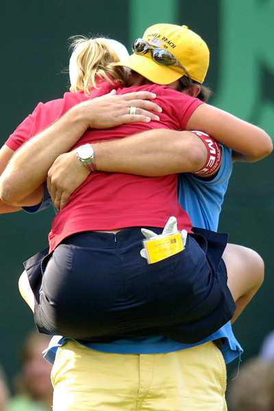 Kerr celebrated with her husband after winning the U.S. Women's Open.