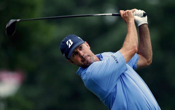 Matt Kuchar made five birdies and no bogeys before the second round was suspended due to storms.
