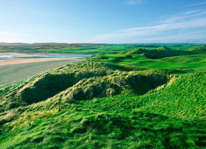 13. Lahinch (Old), Lahinch, Ireland: Cracking the Top 40 in our most recent rankings, Lahinch charms with titanic sandhills and stunning views of the Atlantic Ocean and of the Cliffs of Moher. Old Tom Morris' 1893 design, coupled with Alister MacKenzie's 1927 renovation and Martin Hawtree's 2003 restoration form a seamless fit on ideal terrain.