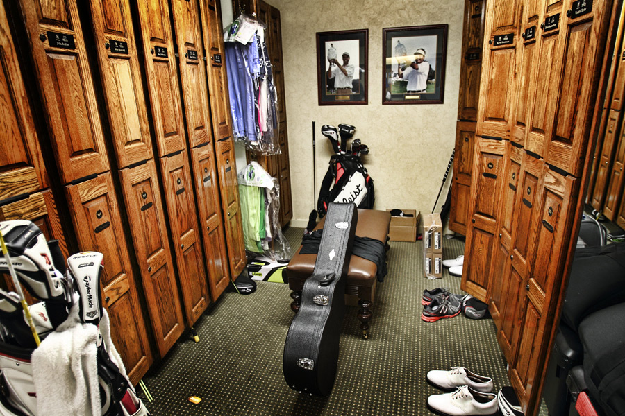 The pros made themselves right at home in the River Highlands locker room.