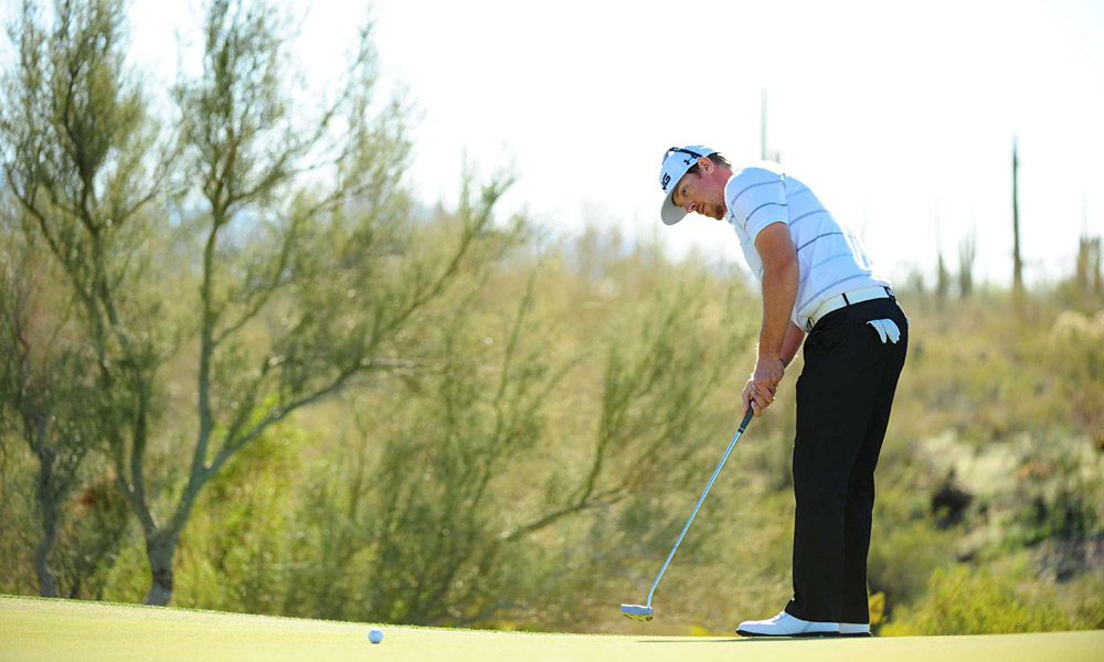 Hunter Mahan topped Y.E. Yang 5 and 3.