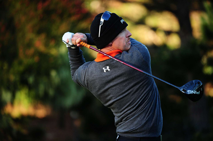 Hunter Mahan made three bogeys and two birdies for a 73.