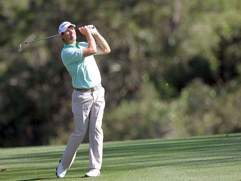 Padraig Harrington fired an impressive 10-under 61 on Thursday to take the first-round lead at the Transitions Championship.
