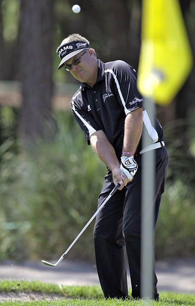 Kenny Perry shot a five-under 66 to move into contention.