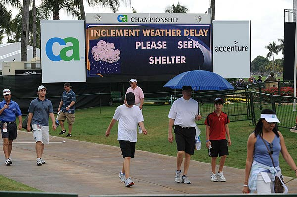 Play finally resumed at 5:10 p.m. Sunday, but was stopped again at 7:20 p.m. due to darkness.