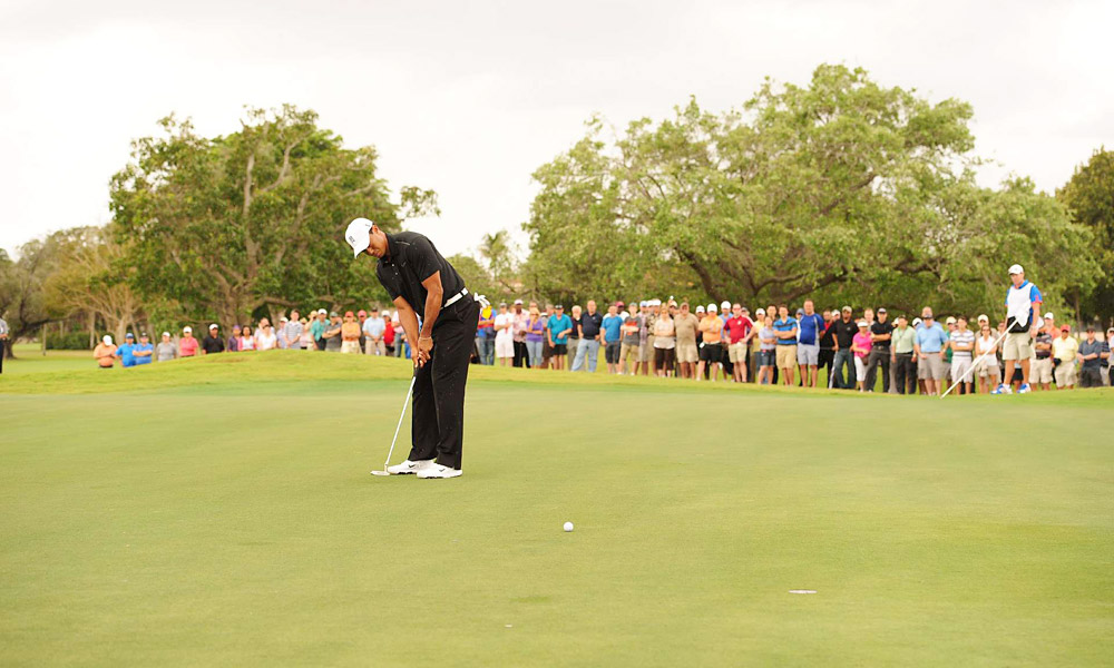 Woods opened his round with an eagle on the par-5 first.