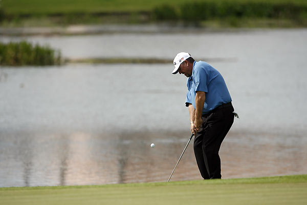 Mark Calcavecchia birdied three of his first four holes on his way to a third-round 67.
