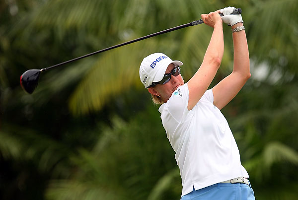 Karrie Webb tied for fifth at five under.