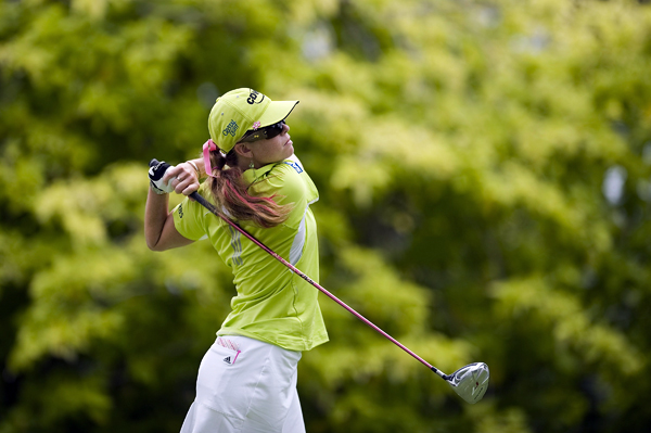 HSBC Women's Champions: Round 1 After a bogey on the first hole, Paula Creamer made six birdies to finish in a three-way tie for the lead.