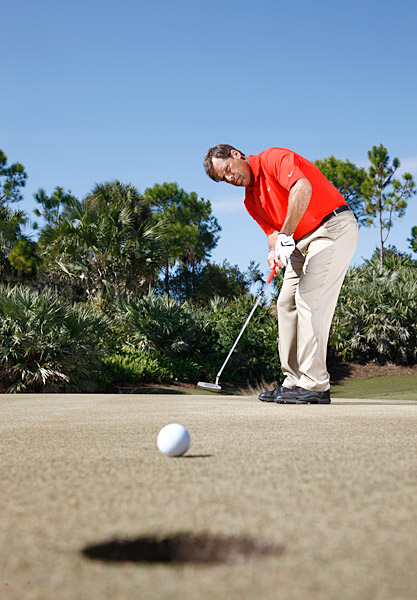 How to Play It                                          When confronted with a must-make putt, don't get hung up in the moment. Stick to a simple routine, making a definitive choice when you read the line and speed. If your nerves are jumping, take the small muscles in your hands, wrists and arms out of your stroke. Make some practice strokes in which you drive the putter with the rocking of your shoulders and torso only. This will help you to relax your hands and arms and get the ball moving on the right line and at the correct pace.