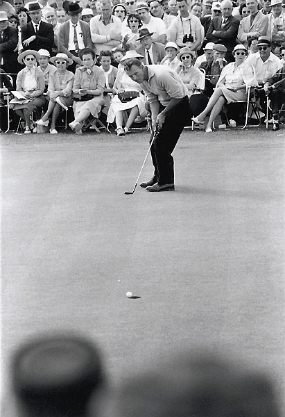 1960                     Arnold Palmer vs. Ken Venturi                     282-283                                          Early in his reign, the King trailed Venturi by one shot with two holes to play. What happened next would cement Palmer's reputation as a charger. Facing a 27-foot birdie putt at 17, Arnie backed away twice, then promptly holed it. At 18, he punched a 6-iron to five feet — and holed that birdie putt, too. Palmer paused momentarily and then reality hit him — he had just won his second Masters. He began jumping with glee.