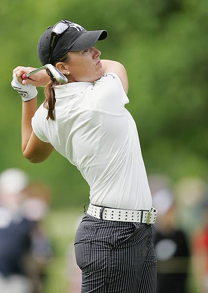 Sophie Gustafson finished one stroke off the lead after a final-round 70.