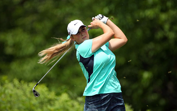 dominated her match against Karrie Webb, 7 and 6.