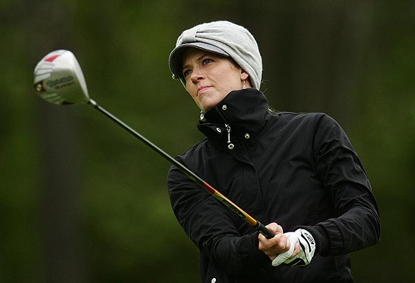 Anna Rawson eagled the par-5 fifth hole. She is at three under par.