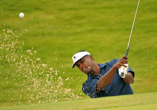 Vijay Singh made an eagle on 18 to shoot a 67.