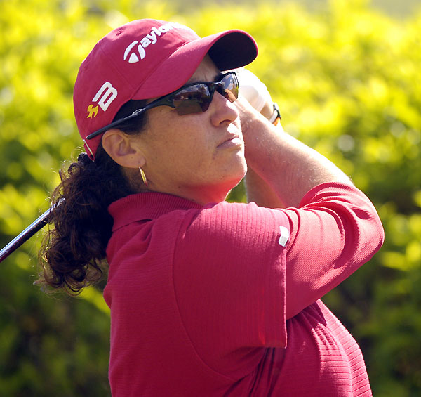 Dina Ammaccapane grabbed a one-shot lead after her second straight 69.
