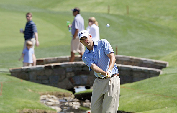 Bill Haas shot a bogey-free 64 to take a two-shot lead into the second round.