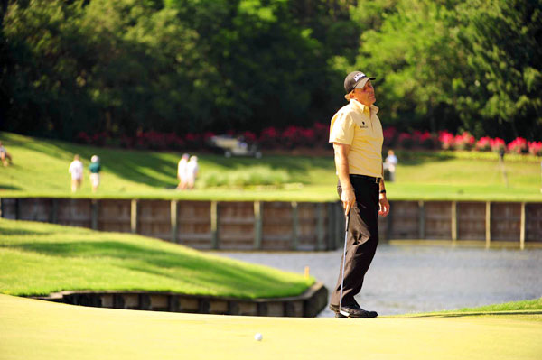 Mickelson needed 29 putts on Friday.