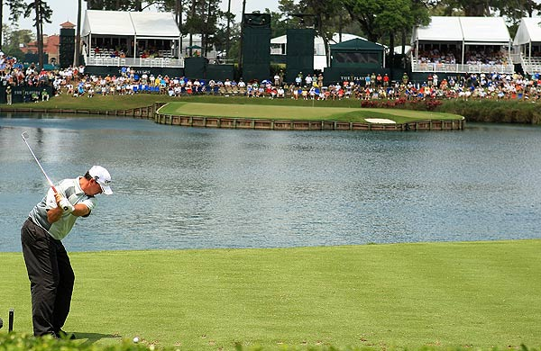 Boo Weekley found the green on 17 for a par. He is three under par.