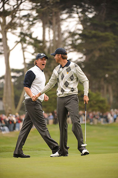 Phil Mickelson and Sean O'Hair dominated their match against Retief Goosen and Camilo Villegas, winning 5 and 3.