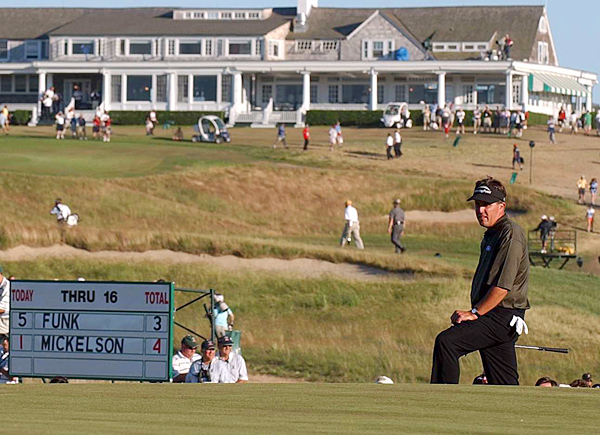 2004: Shinnecock Hills                       Lost by 2 to Retief Goosen                                              Breaking Point: Mickelson birdied the par-5 16th hole to take the lead, but his 6-iron tee shot found the left bunker on the par-3 17th and his sand shot came out hot and wound up eight feet above the hole. Mickelson's par putt missed the cup and rolled six feet by and he missed the next one for a crushing double-bogey.