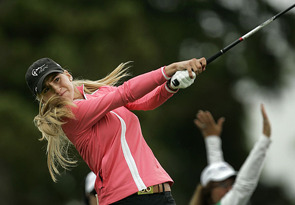 During her amateur career, Mozo won the Women's British Amateur.