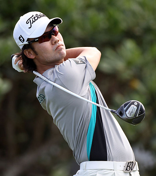 Kevin Na finished eagle-eagle for a nine-under 64.