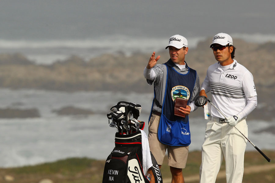 Kevin Na made four birdies and three bogeys.