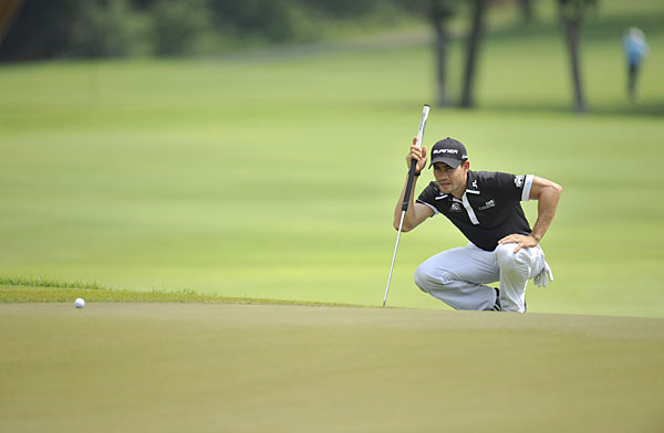 Camilo Villegas made three birdies and three bogeys for a 71.