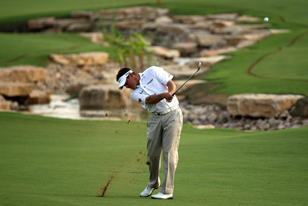Lee Westwood, No. 2 in the Race to Dubai, shot a three-under 69 for a two-shot lead.
