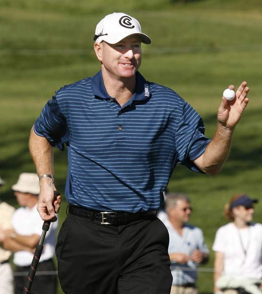 Loser: Fall Series The seven stops after the FedEx Cup playoffs had some  name winners, but sponsors couldn't have been happy after their investments  induced one top 10 player (Phil Mickelson) to tee it up. Equally alarming was the  dearth of spectators and Golf Channel viewers (average rating for the first five  events: 0.30), who must've thought they were watching the Nationwide tour.                       Steve Flesch, left, won the first Fall Series event, the Turning Stone Resort Championship