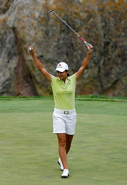 The following week, Ochoa became the second-youngest player to qualify for the LPGA Tour Hall of Fame when she won the Corona Championship by 11 strokes. She must remain on tour until 2012 to be eligible for induction.