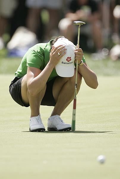 Despite her early success, Ochoa struggled to win her first major championship. In 2006, she finished second at the Kraft Nabisco despite a first-round 62, which tied the record for the lowest round in a major.