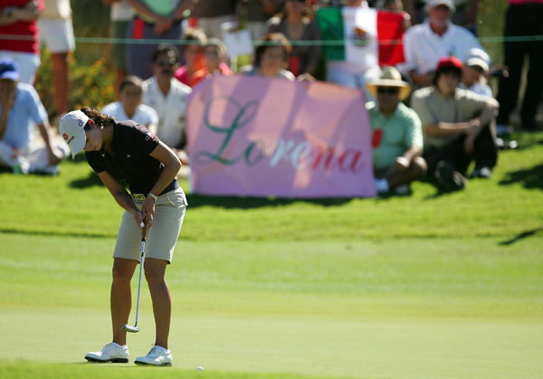 Samsung World Championship: Round 4                                          Lorena Ochoa shot a final-round 66 to win by four shots. She won for the seventh time this season, and earned player of the year honors for the second straight year.