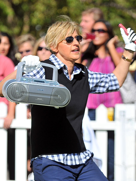 DeGeneres did her best Timberlake impression on the putting green.