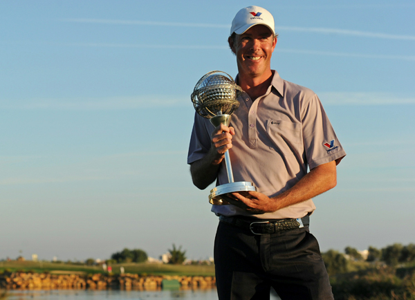 fired a final-round 65 to capture the Portugal Masters by two strokes.