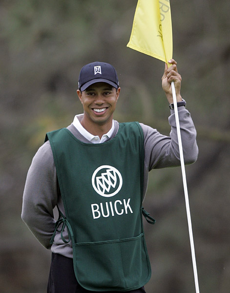 Tiger Woods Caddies at Torrey PinesTiger Woods returned to Torrey Pines to caddie for a contest winner and shoot a commercial for Buick four months after his dramatic U.S. Open win in a playoff over Rocco Mediate.