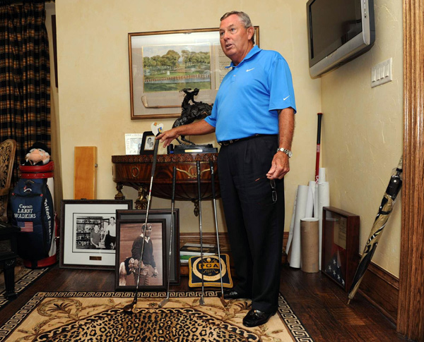 Lanny Wadkins donated several of his golf clubs to the World Golf Hall of Fame.