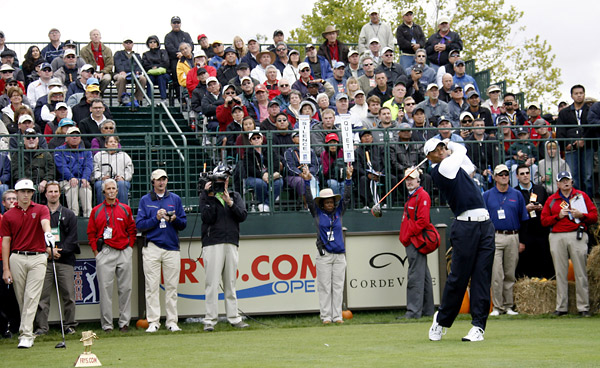 Tiger Woods struggled in his return to golf Thursday at the Frys.com Open, shooting a two-over 73.