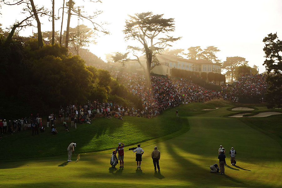 By the time Tiger Woods reached 18 on Saturday, the light was glorious, but his score was not.