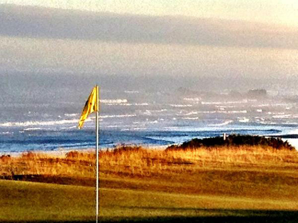 """""""@eamonlynch: The 4th at Pacific Dunes. 6:15am."""""""
